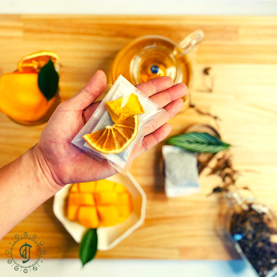 【日常野草】芒果柳橙果乾青草茶包 - 12入 - 茶包 青草茶 養生茶包 冷泡茶包 天然青草 果乾水