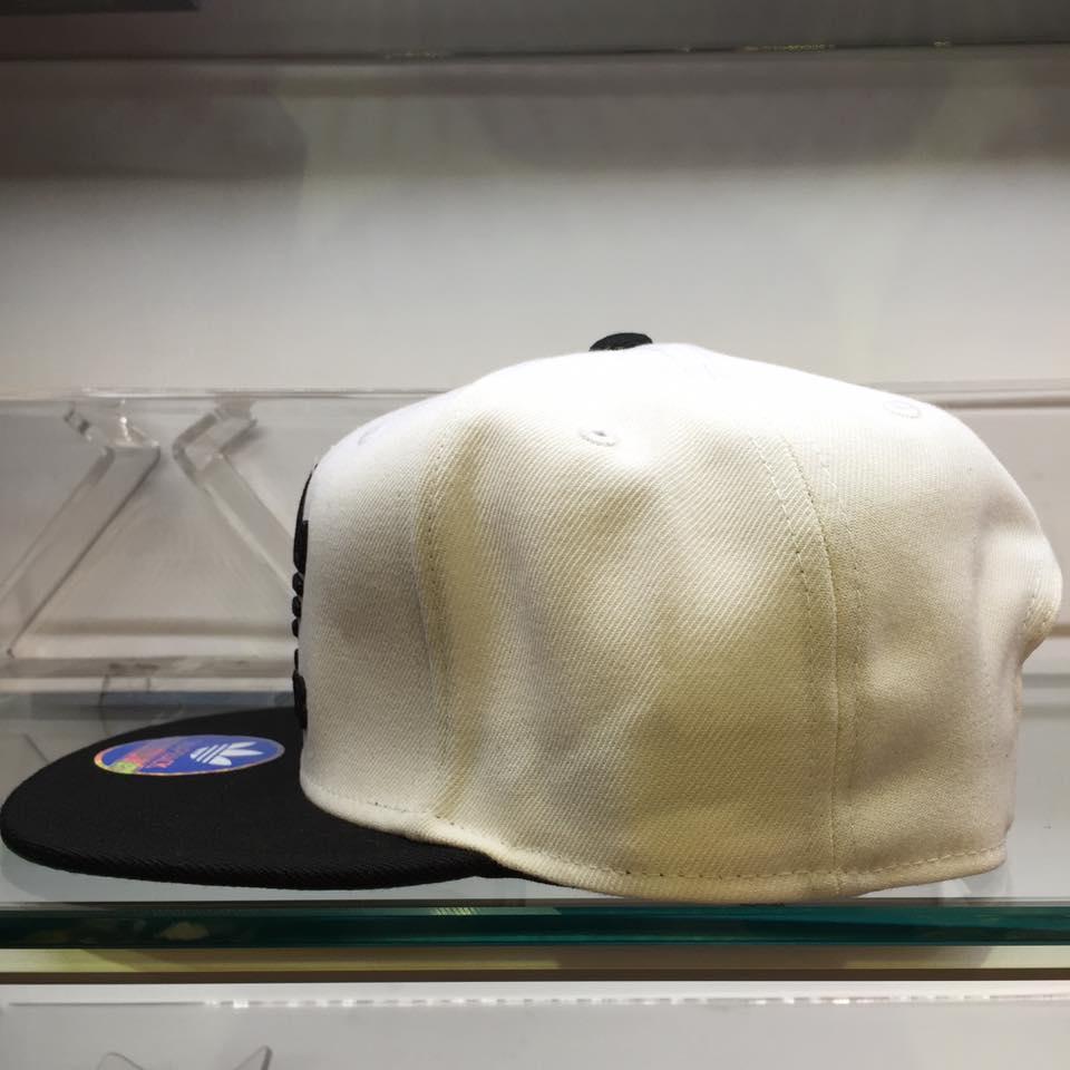 超熱賣 BEETLE ADIDAS ORIGINALS THRASHER 白黑 後扣棒球帽 貝克漢 SNAPBACK 1