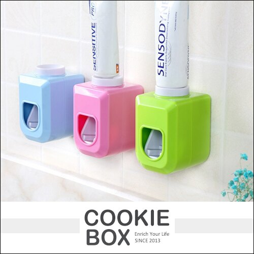 自動 擠牙膏器 懶人 擠壓器 無痕 黏鉤 牙膏架 居家 洗漱 防護 隨機出貨 *餅乾盒子*
