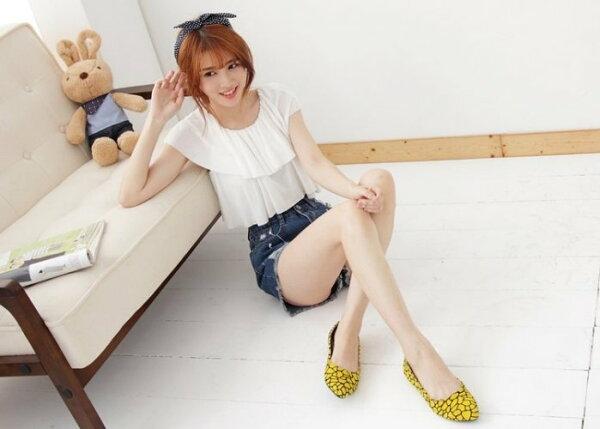 Pyf♥新款絨面黃底不規則黑紋尖頭平底鞋氣質甜美上班鞋40-42中大尺碼女鞋