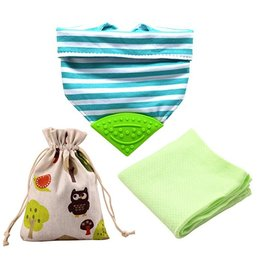 【淘氣寶寶】美國 Meta-U 嬰兒咬咬兜/領巾/圍兜/固齒器 (附外袋+竹纖維方巾) 湖水綠條紋