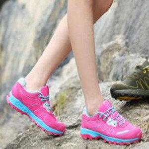美麗大街【W16012】春夏季新款情侶跑步鞋透氣女士戶外運動鞋耐磨減震網面男鞋(梅紅色)
