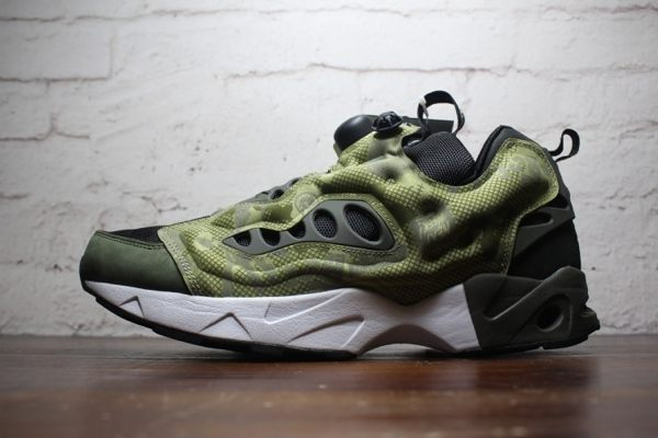 Reebok Insta pump Fury Road CS 軍綠 男款