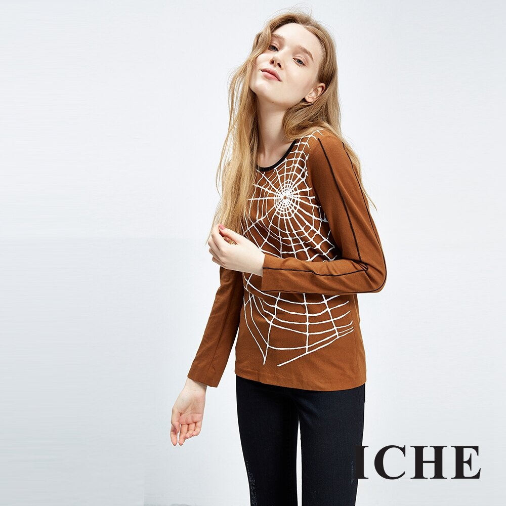 ICHE 衣哲 線條放射印花造型上衣