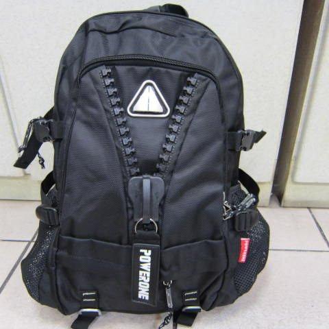 ~雪黛屋~POWERONE 後背包 大齒拉鍊造型後背包 可放15-17吋筆電 防水尼龍布材質 AI854 黑-印字白