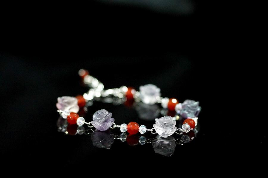 【喨喨飾品】紫螢石+紅瑪瑙 玫瑰花手鍊 A553