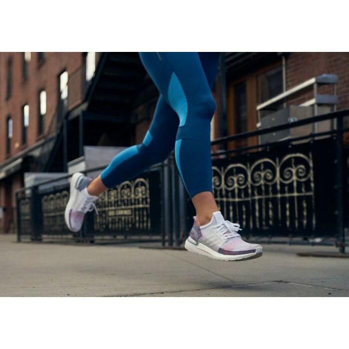 【日本海外代購】Adidas ULTRA BOOST 19 白灰 彩虹 編織 小鬼 黃鴻升 休閒 慢跑 情侶鞋 B37708