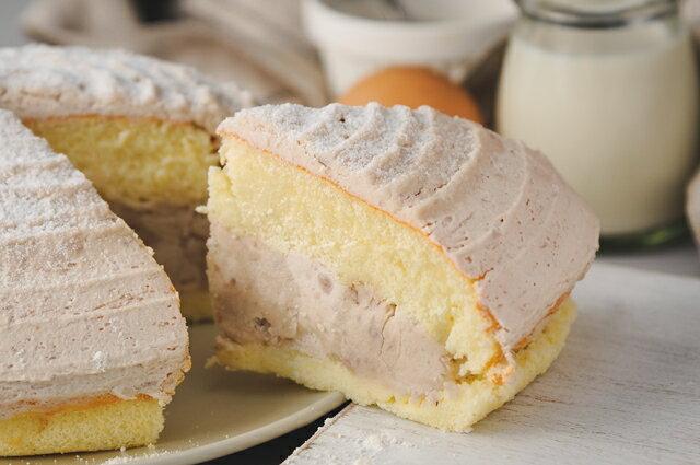 #重芋泥波士頓#採用大甲芋頭研製純芋泥,及小火熬煮製成低糖芋頭丁, 超柔蛋糕體使其口感濃郁而香醇~~