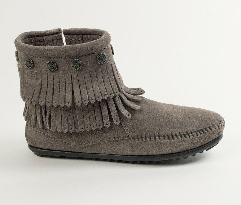 【Minnetonka 莫卡辛】灰色 - 雙層麂皮流蘇踝靴 2