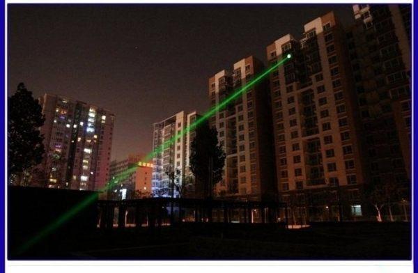 綠光雷射筆 500mw .送電池 綠色雷射筆 戶外教學 露營燈 綠色雷射筆 工程筆 綠光筆 1