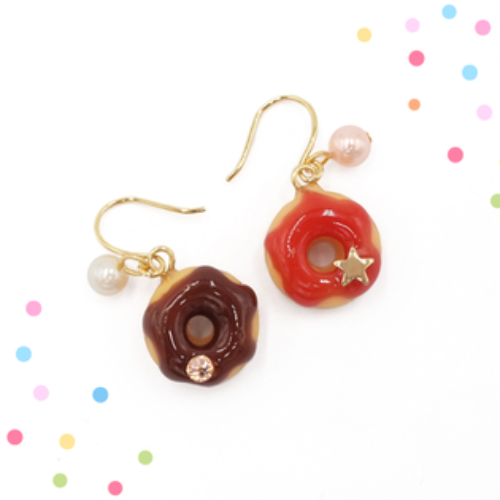 APM:〔APM飾品〕日本apm嚴選莓果與巧克力甜蜜雙拼甜圈耳環