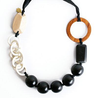 <br/><br/>  〔APM飾品〕日本Kaza時尚氣息木質串珠項鍊<br/><br/>