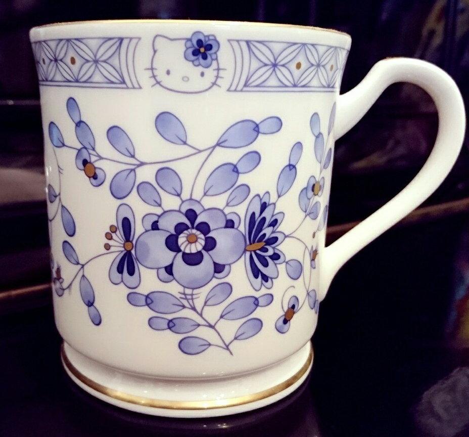 日本皇室愛用NARUMI手工骨瓷馬克杯 HELLO KITTY40週年限定款 經典藍