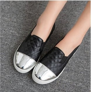 Pyf♥歐美款小香風菱格紋拼接金屬鞋頭樂福懶人鞋小白鞋休閒鞋43大尺碼女鞋