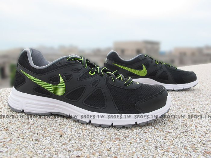 Shoestw【554954-055】NIKE WMNS REVOLUTION2 MSL 慢跑鞋 黑綠線條 男款