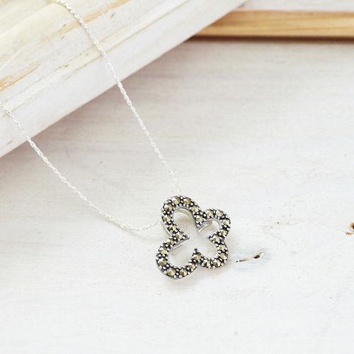 ●ECO安珂●【E9-175】翩翩起舞 蝴蝶綴灰鑽 925純銀項鍊