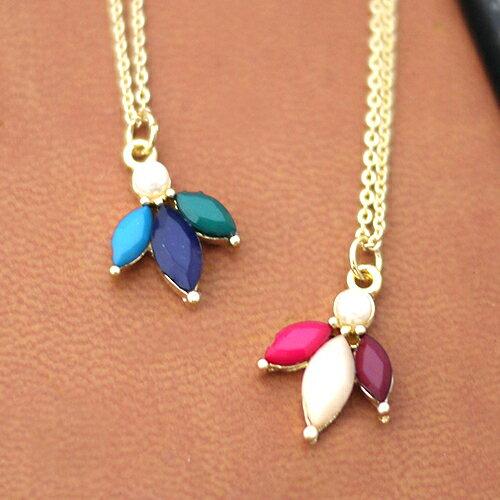 (特賣)ECO安珂.高彩度三葉寶石綴珍珠項鍊(2色)【1-1416】