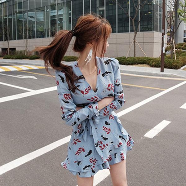 PS Mall  性感V領收腰碎花短款連身裙 洋裝【T1501】 0