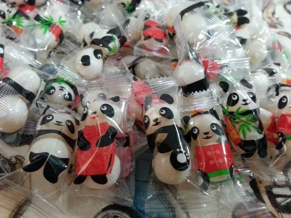有樂町  聖誕糖果樂趣 熊貓娃娃 果維軟糖 乳酸菌軟糖 200g100元 - 限時優惠好康折扣