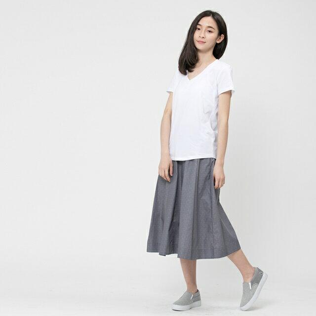 弓單棉自在V領上衣 / 白 4