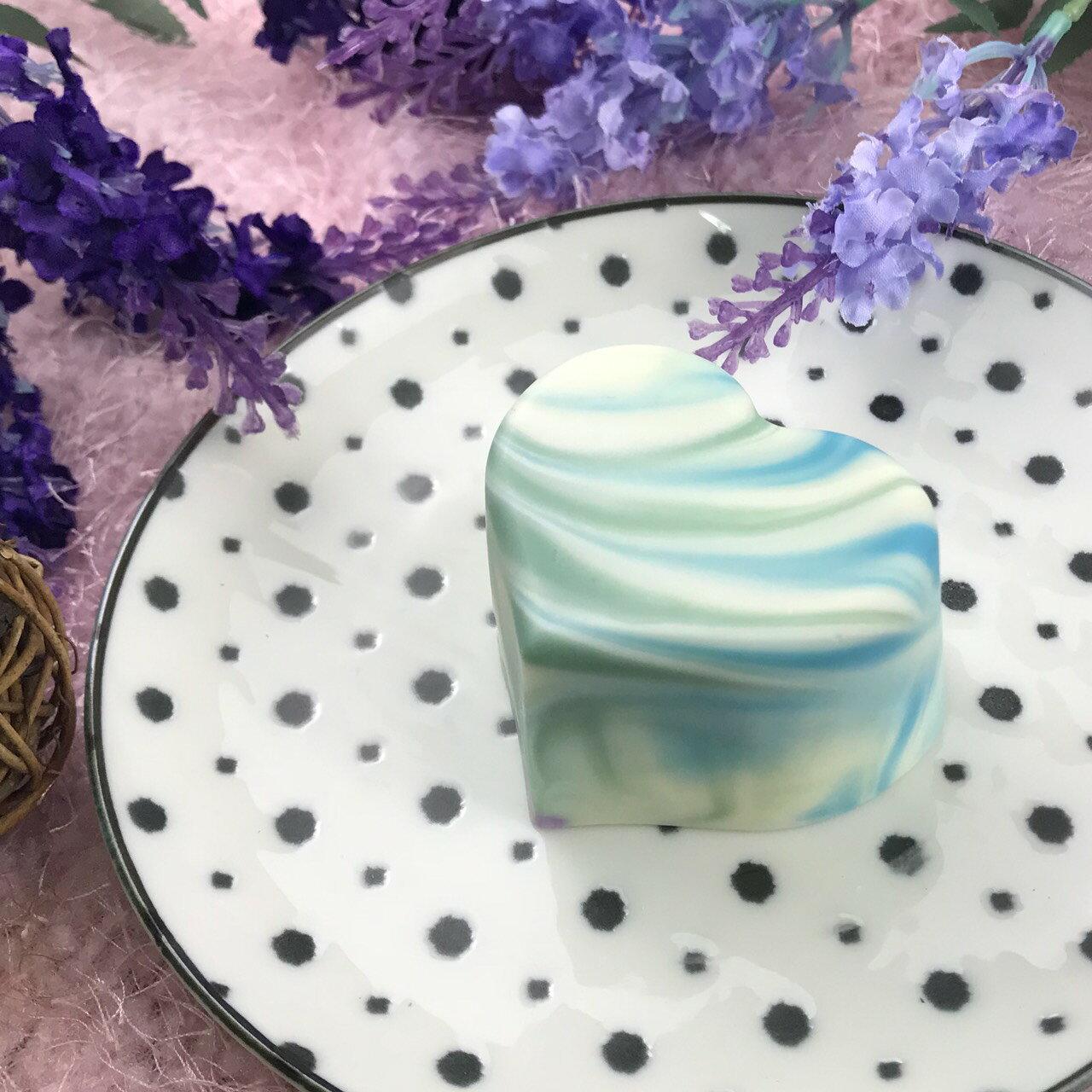 【可蘿兒玩皂Carrot fun soap】天然榛甜薰衣草鮮奶手工皂/冷製手工皂100±10g(清爽型)