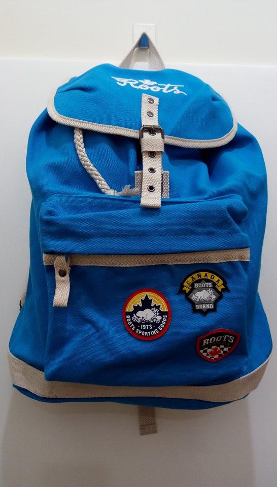 【衣凡卡時尚】全新真品-ROOTS藍色男女帆布後背包