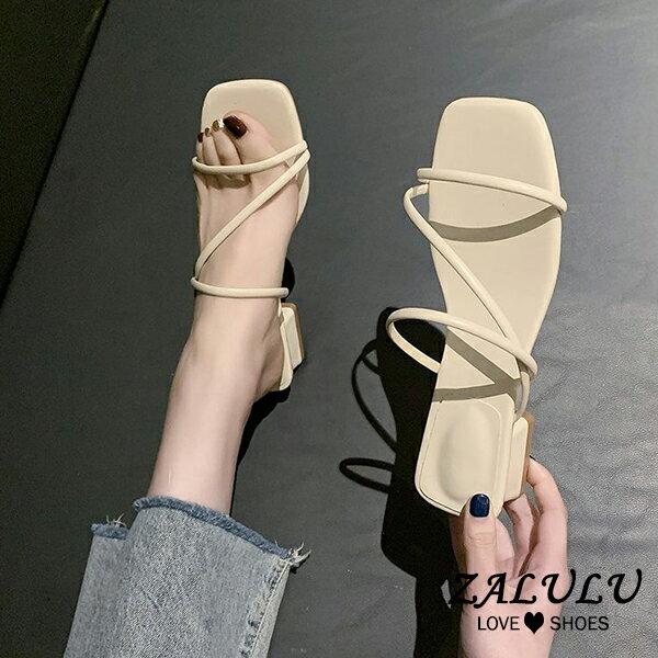 10DE071 預購 簡約斜帶夏季低跟涼鞋-3色-35-40【ZALULU愛鞋館】►滿$399免運