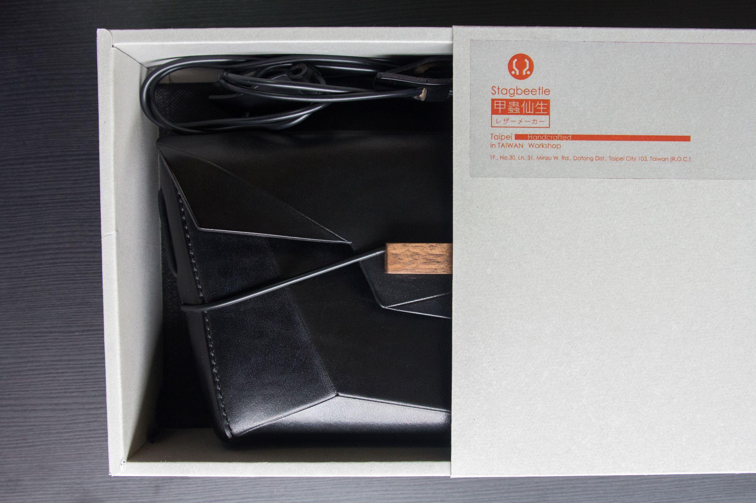 【甲蟲仙生】植鞣牛皮蟲型書冊包 手工 真皮 側背包 訂製包 手拿包 手工包 4