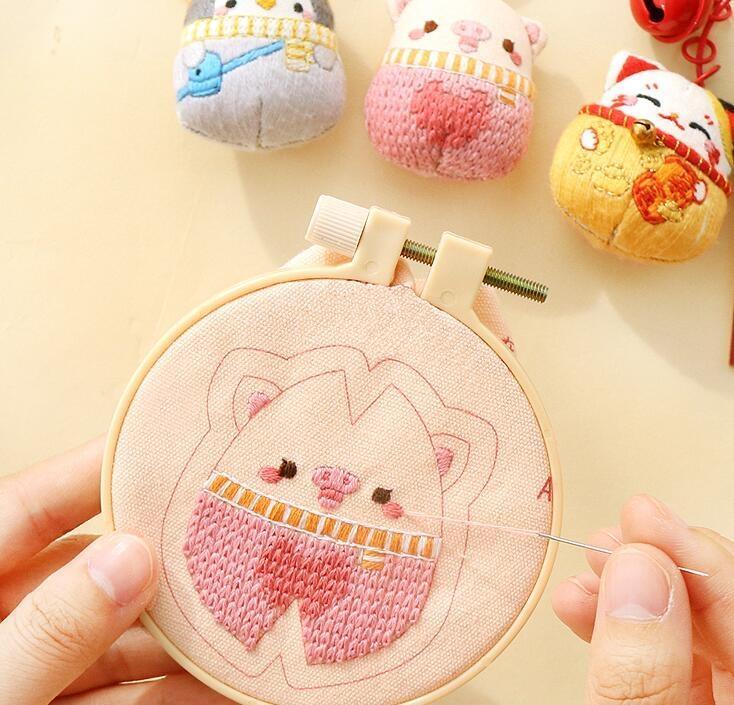 刺繡 手工diy鑰匙扣材料包情侶鑰匙鏈刺繡車掛件可愛立體玩偶創意禮品【免運】