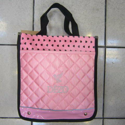 ~雪黛屋~DEZO才藝袋手提袋直式簡單防水尼龍布+鏡面材質可放A4資料夾學生上學用提袋DE2B11粉紅