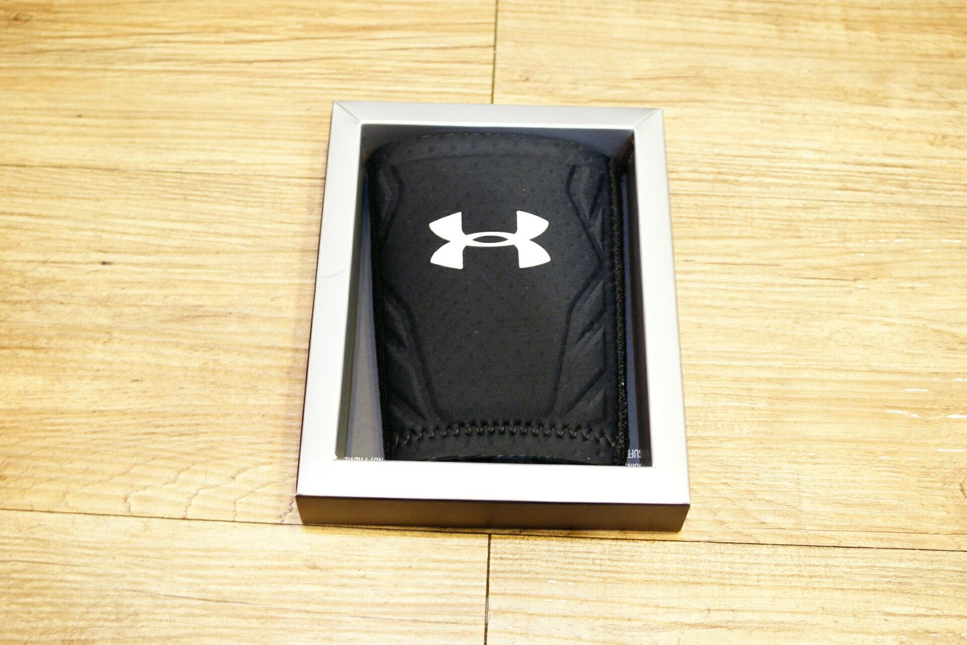 棒球世界 全新Under Armour UA 棒球用防撞手腕護套 特價