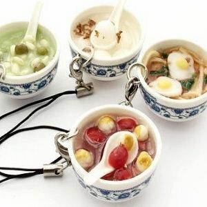 美麗大街【PLGBD】白底青花瓷碗仿真餐點手機吊飾