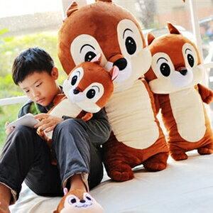 美麗大街【S101121709】卡通花栗鼠奇奇蒂蒂造型12吋小隻款長型抱枕