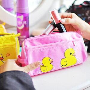 美麗大街【102112224】黃色小鴨印花可手提筆袋/化妝包/收納袋