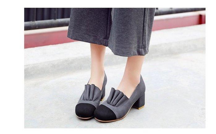 Pyf ♥ 花苞皺褶 修飾腳型 雙色粗跟 絨面低跟鞋 舒適圓頭 43 大尺碼女鞋