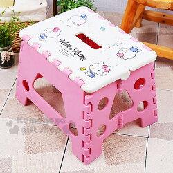 〔小禮堂〕Hello Kitty 攜帶式折疊椅《粉白.側坐.點點》素描系列