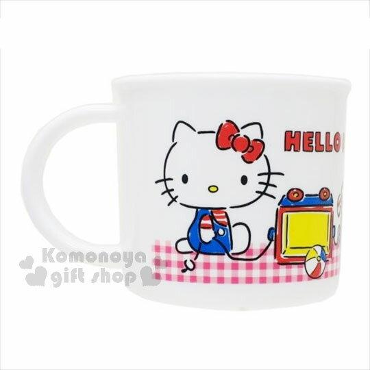 〔小禮堂〕Hello Kitty 日製塑膠小水杯《紅白格.經典藍吊帶褲.小熊.玩具.200ml》
