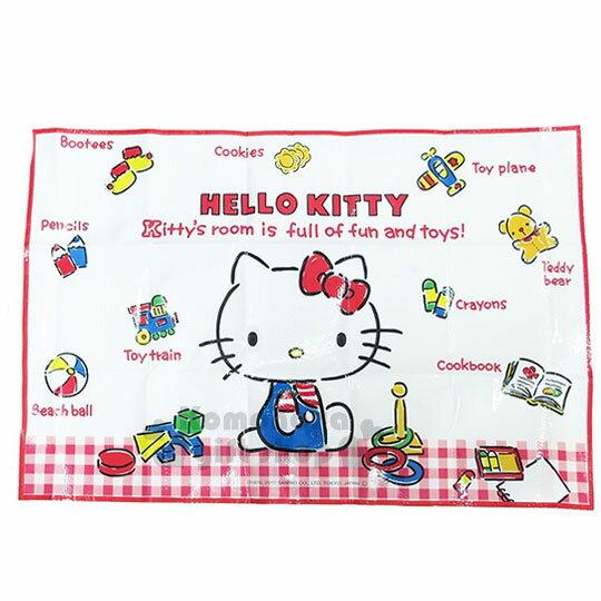 〔小禮堂〕Hello Kitty 野餐墊《S.紅白格.經典藍吊帶褲.小熊.玩具.90x60cm》單人用尺寸設計