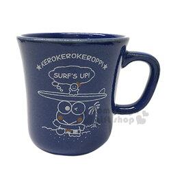 〔小禮堂〕大眼蛙 日製陶瓷馬克杯《深藍.衝浪板.素描》精緻盒裝.日本YAMAKA精緻陶瓷