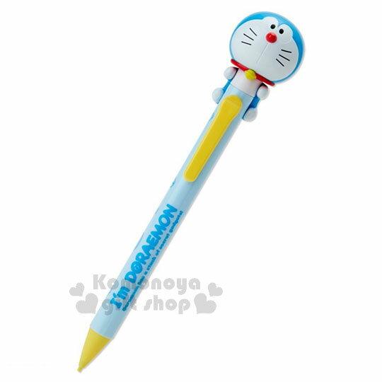 〔小禮堂〕哆啦A夢日製造型自動鉛筆《淺藍.滿版道具.趴姿》0.5mm筆芯