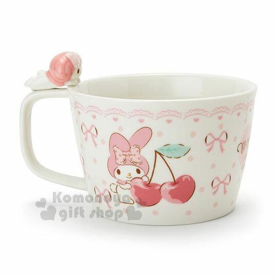 〔小禮堂〕美樂蒂 造型陶瓷馬克杯附湯匙《白.杯邊玩偶》咖啡杯.寬口杯.湯杯.精緻盒裝 2