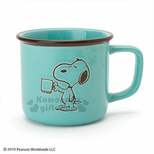 〔小禮堂〕史努比 陶瓷馬克杯《綠.拿杯子》寬口杯.咖啡杯.精緻盒裝 0