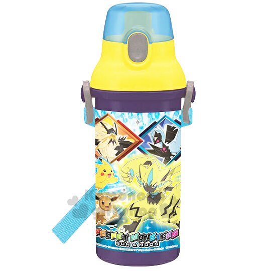 〔小禮堂〕神奇寶貝Pokémon 皮卡丘 日製直飲式水壺附背帶《黃藍.角色》480ml.水瓶.兒童水壺 0