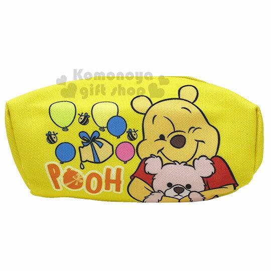 〔小禮堂〕迪士尼 小熊維尼 厚帆布拉鍊化妝包《黃.抱熊》萬用包.收納包.筆袋