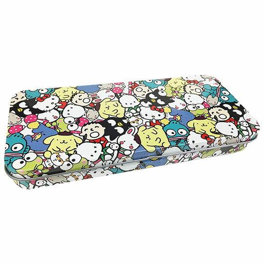 〔小禮堂〕Sanrio大集合 日製掀蓋鐵製鉛筆盒《黃藍.滿版》收納盒.鐵筆盒.筆袋