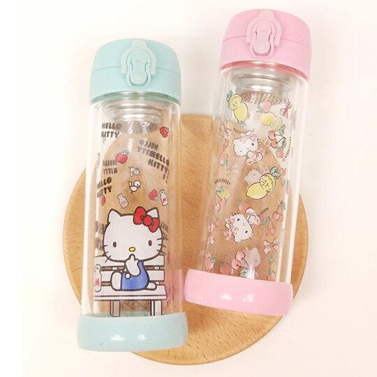 〔小禮堂〕Hello Kitty 雙層玻璃彈蓋水壺《透明.藍.粉》300ml.隨身瓶.水瓶 0