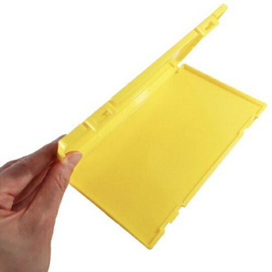 【領券折$30】小禮堂 神奇寶貝 日製 攜帶型塑膠口罩盒 隨身口罩盒 口罩夾 口罩套 (黃 大臉)