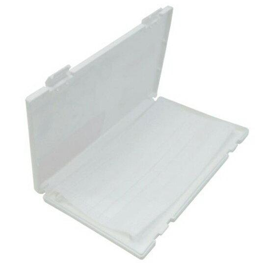 【領券折$30】小禮堂 史努比 日製 攜帶型塑膠口罩盒 隨身口罩盒 口罩夾 口罩套 (白 狗屋)