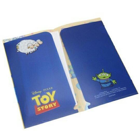 【領券折$30】小禮堂 迪士尼 玩具總動員4 日製 塑膠口罩夾 抗菌口罩夾 口罩包 口罩套 (黃 圍繞)