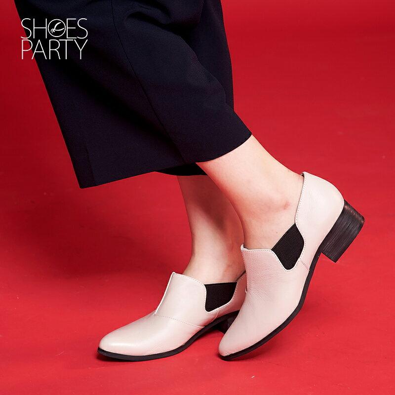 【B2-16209L】黑白系列尖頭側鬆緊鞋_Shoes Party 3